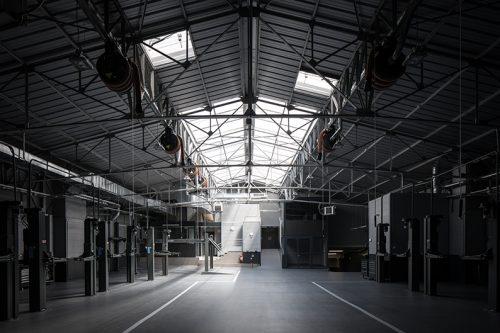 Un garage Mercedes – SMART tout neuf dans le 17ème